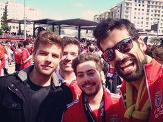 Antes o clima já era de festa depois ficou loucura! Benfica um amor imenso  TRIcampeões  #slb#35#epluribusunum#tri#1904#sejaondefor#rumoao36 by joao_bernardo95