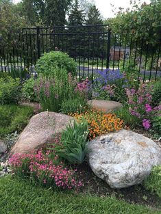 Front Yard Rock GardenLandscaping Ideas (59)