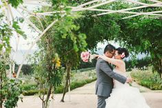 Embracing under the rose armature <3 Photography: Ricky Fung