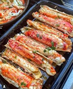 Garlic Crab Legs Recipe, Fried Crab Legs Recipe, Baked Crab Legs, Baked Garlic, Grilled Crab Legs, Crab Recipes, Sauce Recipes, Easy Recipes, Seafood Butter Sauce Recipe