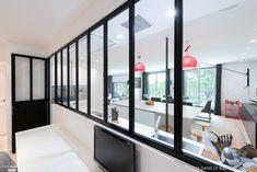 Une cuisine blanche qui a de l'allure, SK Concept La Cuisine dans le Bain Architecte d'intérieur - Côté Maison