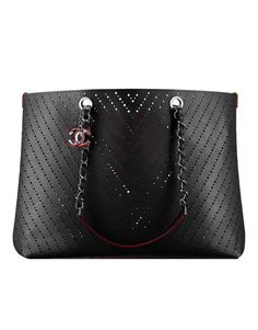 Large tote, perforated grained calfskin-black & burgundy lining - CHANEL