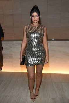 Kylie Jenner attended and sat Front row at Tom Ford Fashion Show Fall Winter 2020 at Milk Studios in Los Angeles . She wore Tom Ford Spring Kylie Jenner Feet, Ropa Kylie Jenner, Kylie Jenner Fotos, Trajes Kylie Jenner, Looks Kylie Jenner, Kylie Jenner Pictures, Kylie Jenner Style, Kardashian Jenner, Cocktail Dresses