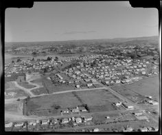 Aerial photograph taken by Whites Aviation. Tauranga New Zealand, Historical Photos, Old Photos, Paris Skyline, Holiday, Travel, Historical Pictures, Old Pictures, Vacations