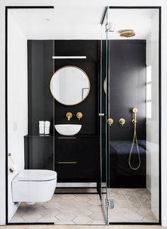 Salle de bain noir , blanc , dore