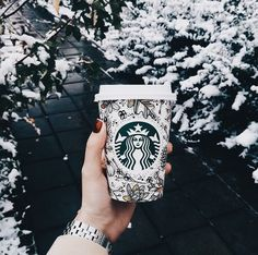 Winter is nothing without Starbucks ❤