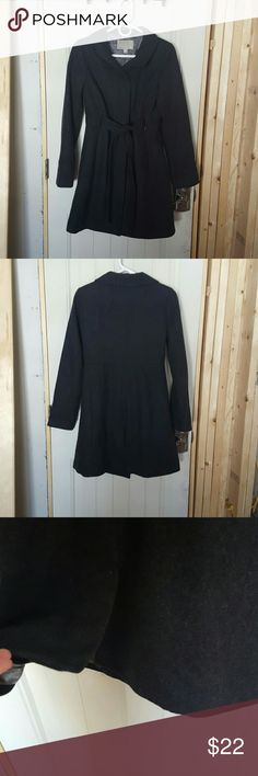 Old Navy Wool Blend Walking/Trench Coat Gently used, Charcoal (dark gray) wool blend coat, hidden front button closure, partially hidden belt for a nice gathered tied waist look. Old Navy Jackets & Coats Trench Coats