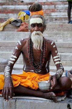 Yogi at Work Indian Meditation, Yoga India, Real Model, Body Poses, Oriental Fashion, Varanasi, Japanese Prints, People Of The World, World Cultures