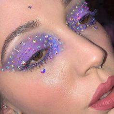 Fantastic Cute makeup tips are available on our site. Take a look and you will not be sorry you did. Edgy Makeup, Makeup Goals, Makeup Inspo, Makeup Art, Makeup Inspiration, Beauty Makeup, Hair Makeup, Makeup Tips, Fun Makeup