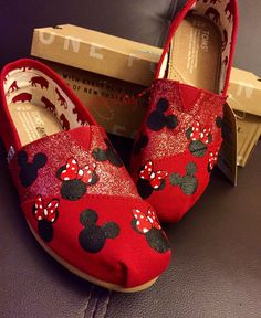 10 Disney clothing items you need in your closet Painted Canvas Shoes, Painted Sneakers, Hand Painted Shoes, Disney Painted Shoes, Painted Toms, Mickey Mouse Shoes, Minnie Mouse, Disney Inspired Fashion, Disney Fashion