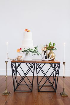 modern cake tables, photo by Katie Nesbitt Photography