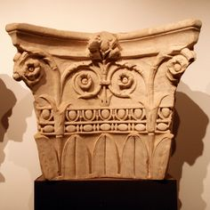 White marble. Julio-Claudian period. Corinthian pilaster capital From the northern slopes of the Janiculan Hill, Rome (1999). Rome, Soprintendenza Speciale per i Beni Archeologici.  On display on the Palatine for the Nero exhibition in Rome.