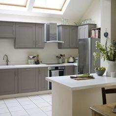 Take a tour of this modern Shaker kitchen Modern Shaker Kitchen, Shaker Kitchen Cabinets, Shaker Style Kitchens, Grey Kitchens, Kitchen Units, Painting Kitchen Cabinets, New Kitchen, Home Kitchens, Kitchen Ideas