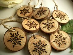 8 Tree Branch Ornaments - Snowflake Wood burned Ornaments - Holiday Decor - 1 inch - Natural and Organic Decor Wine Charms Wood Burning Crafts, Wood Burning Patterns, Wood Burning Art, Wooden Christmas Ornaments, Rustic Christmas, Christmas Decorations, Ornaments Ideas, Snowflake Ornaments, Holiday Decor