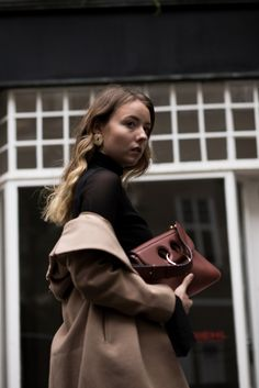 Off-shoulder Mantel -J.W.Anderson_Pierce_Bag_Tasche_Medium_The_Limits_of_Control_Fashion_Fashionblogger_Blogger_Berlin_Deutschland_Modeblog_Modeblogger