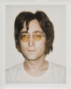 Andy Warhol and his celebrity polaroid portraits. - ar+ - Andy Warhol and his celebrity polaroid portraits. Imagine John Lennon, John Lennon And Yoko, Jhon Lennon, Elvis Costello, Eugene Atget, David Lachapelle, Alan Walker, Leonardo Dicaprio, The Beatles