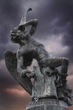"""Devil sculpture in madrid, spain by Fernando Cortés on 500px """"El Ángel Caído"""" en el parque del Retiro"""