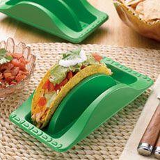 Utile per i pic nic per non trovarti i panini con l'insalata ovunque meno che fra le due parti :)
