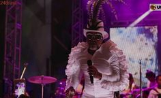'Não precisam de baixo calão': Brown quer ouvir menos palavrões na música