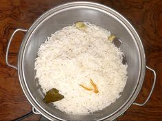 hyderabadi biryani recipe - Make the best biryani at home with this simple no fail recipe. With video step by step instructions Rice Recipes, Veggie Recipes, Indian Food Recipes, New Recipes, Cooking Recipes, Arabic Recipes, Veggie Food, Cooking Tips, Indian Appetizers