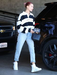 A Celeb Stylist Told Me the Jeans Brands Celebrities Buy for Themselves Estilo Hailey Baldwin, Hailey Baldwin Style, Casual Outfits, Cute Outfits, Fashion Outfits, Beautiful Outfits, Justin Bieber, Trashed Jeans, Popular Jeans