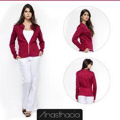 O Casaqueto com Colchete é ideal para compor looks com estilo.