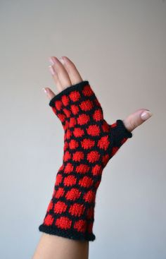 Black And Red Polca Dots Fingerless gloves - Knit Fingerless gloves - Bohemian Gloves - Fall Gloves by lyralyra on Etsy
