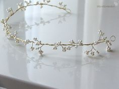 Gypsophelia Hair Vine. Bridal Halo, Wedding Headdress, Pearl Hair Vine, Wedding Halo, Gold Halo.