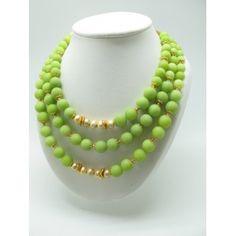 Collar Vila con Jade pulido verde. Más novedades y colores en www.luxeli