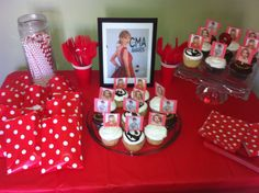 Taylor Swift themed birthday party More