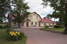 Kartano Hostel Kokemäki Dating back to this countryside hostel is also home to a small, family-run lemonade factory. Leisure options include 3 saunas, an outdoor hot tub, bicycles and quad bikes. Quad Bike, Varanasi, Kiosk, Hostel, Finland, Countryside, Mansions, House Styles, Saunas