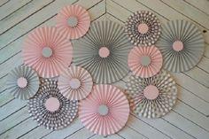 Cmo hacer rosetas o medallones de papel para decorar tus fiestas