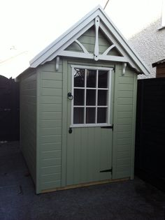 Boyne Garden Sheds Painted in Colourtrend Vicarage Gate and Ha'penny White Baking Wallpaper, Evergreen Vines, Magic Garden, Corner Pergola, Vegetable Garden Design, Color Trends, Painted Furniture, Exterior, Outdoor Structures