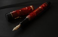 Pen-only view of the Conway Stewart Churchill in cherry red. What a looker! (from thesebeautifulpens.blogspot.com)