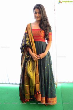 Shalini Pandey at Muhurat Image 1015 Frock Design, Silk Dress Design, Long Dress Design, Blouse Designs Silk, Dress Designs, Salwar Designs, Kurta Designs Women, Indian Bridal Outfits, Indian Designer Outfits