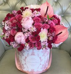 Send Mixed Flowers to Los Angeles - JLF Flower Boutique Mothers Day Flowers, Happy Flowers, Pretty Flowers, Colorful Flowers, Rose Flower Arrangements, Flower Centerpieces, Flower Boutique, Fresh Flower Delivery, Luxury Flowers