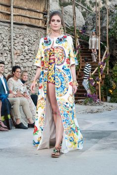 Dolce  amp  Gabbana Autumn Winter 2014-15 Couture - Who says bright colours accef31f5f1