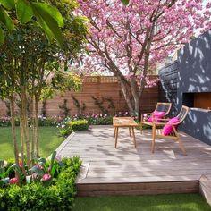 Feng Shui fact - the garden can impact both the health wealth of the occupants. Garden Nook, Small Balcony Garden, Garden Bar, Garden Club, Back Gardens, Outdoor Gardens, Mini Gardens, Patio Deck Designs, Modern Backyard