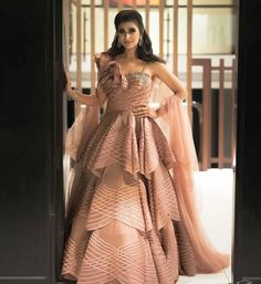 Dulhaniyaa curated the list of Best Bridal Wear Store with variety of Bridal Lehenga with their prices Indian Dress Up, Party Wear Indian Dresses, Indian Wedding Gowns, Desi Wedding Dresses, Designer Party Wear Dresses, Indian Gowns Dresses, Indian Designer Outfits, Wedding Bride, Stylish Dresses