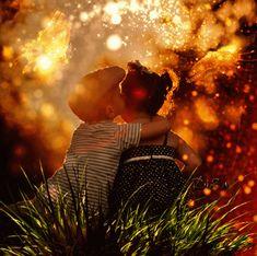"""oda CRIANÇA é um raio de Sol que ilumina a Vida com a promessa de um Futuro melhor... É uma linda Flor em botão, que com sua Pureza e Inocência, só encanta e enche de Esperança nosso coração!... Que elas sejam sempre abençoadas e continuem sendo a """"menina dos olhos"""" de Deus!!"""
