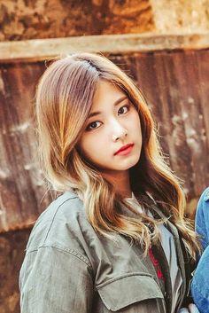 Twice - Tzuyu Kpop Girl Groups, Korean Girl Groups, Kpop Girls, Bts K Pop, Twice Tzuyu, Oppa Gangnam Style, Asian Celebrities, Beautiful Asian Women, Asian Woman