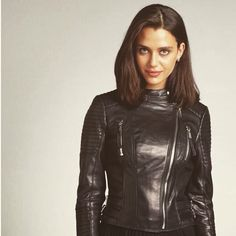 Long Leather Coat, White Leather, Leather Jackets, Leather Boots, Riders Jacket, Cute Woman, Leather Fashion, Bellisima, Gorgeous Women