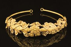 """British pensioner 'finds' 2,300 year old ancient Greek gold crown in box under his bed.  The incredibly rare gold crown believed to be more than 2,000 years old has been discovered under  a bed in a Somerset cottage [Credit: Dukes/BNPS] The elderly man— who wants to remain anonymous— says he inherited it from his grandfather and had put it away with other """"stuff"""" he had accumulated over the years"""
