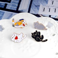 1pc Cartoon White Cat Fishbone Metal Badge Brooch Button Pins Denim Jacket Pin Jewelry Decoration Badge For Clothes Lapel Pins Promoting Health And Curing Diseases Apparel Sewing & Fabric