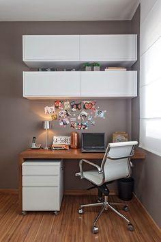 Um cantinho inspirador para quem procura um home office fofo para fazer em casa!