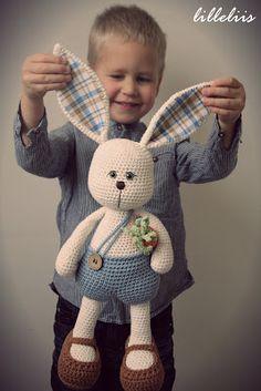 Klaus the Sissy - amigurumi bunny - Etsy shop pattern.  $7.00