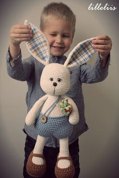 Klaus the Sissy - amigurumi bunny - love the name!!! No pattern yet for this bunny but the site has links to her Etsy shop and free patterns.