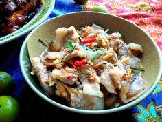 ... stir fried pork with basil roasted chili paste thai mince pork stir