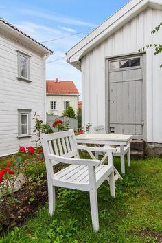 FINN – Kolbjørnsvik - Stort herskapshus med sjøbod, båthus og brygge
