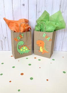 3rd Birthday Parties, Birthday Party Decorations, 4th Birthday, Dinosaur Party Favors, Dinosaur Decorations, Dinosaur First Birthday, Dinosaur Wedding, Die Dinos Baby, Favor Bags
